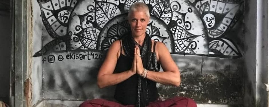 Coach for young yoga teachers
